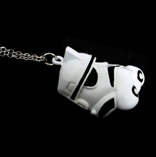 Colar Stormtrooper on internet