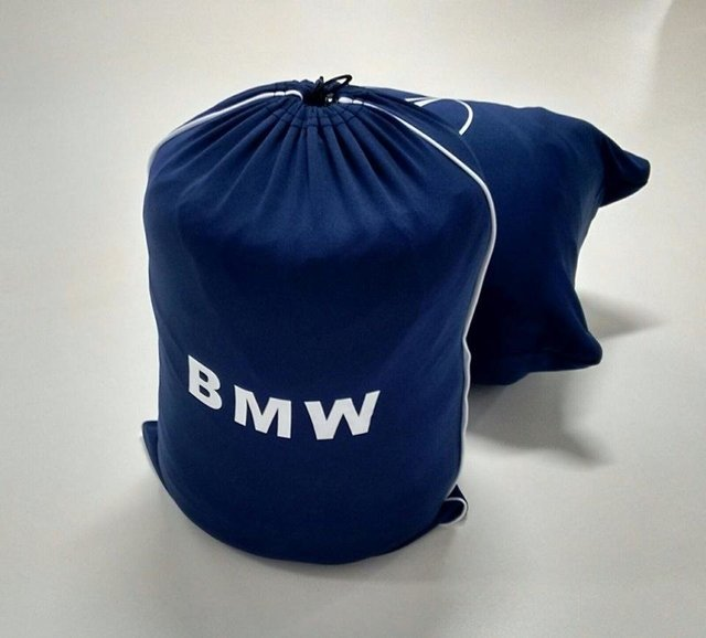 Capa BMW 1 M na internet