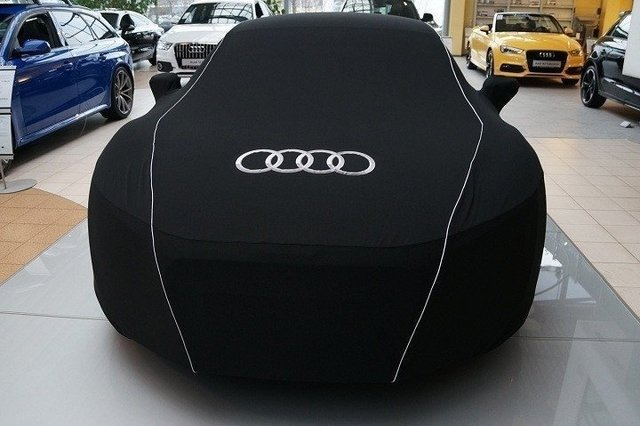 Capa Audi RS4 na internet