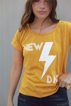 Remera NEW DAY