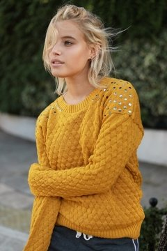 Sweater tachas BUNDY en internet