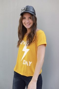 Remera NEW DAY - comprar online