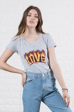 Remera love on fire 9060820020 - comprar online