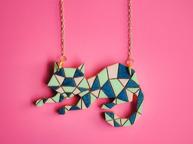 Collar Gato Polygonal Azul en internet