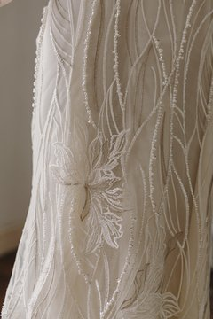 Off White & Golden Garden Wedding Dress en internet