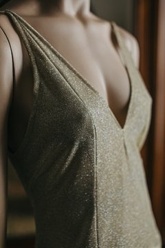 Golden Dress en internet