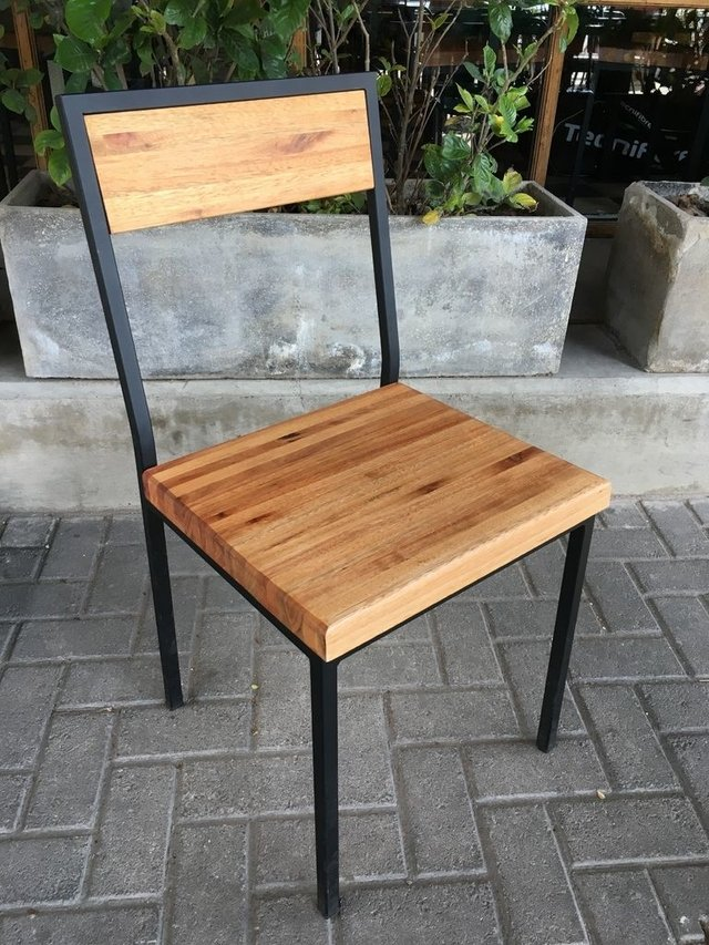 Silla dise o hierro y madera estilo industrial for Diseno estilo industrial