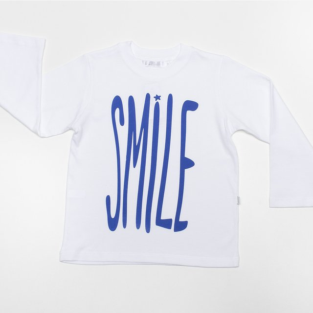 Remera Estampada / letras SMILE