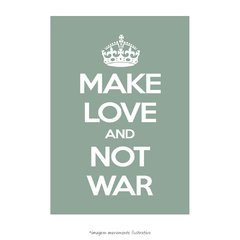 Poster Make Love And Not War - QueroPosters.com