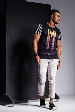 CAMISETA COLORFUL STRIPED - comprar online