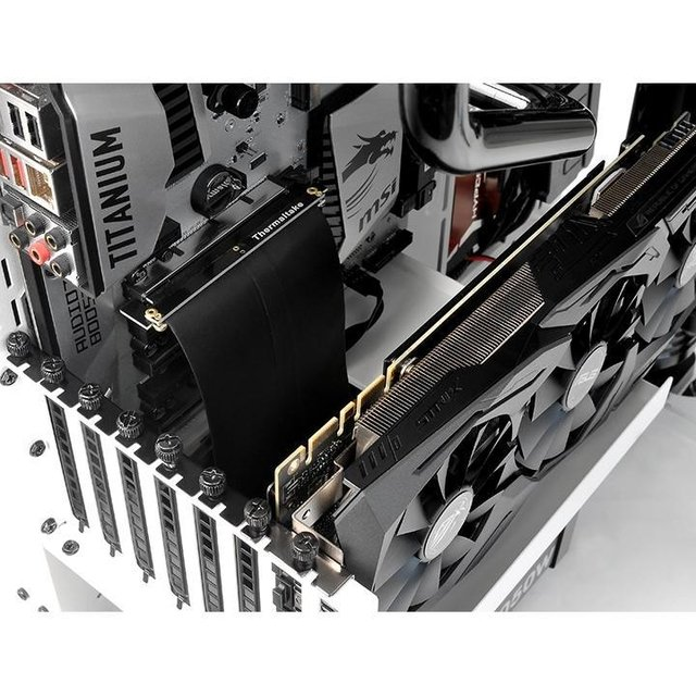 Imagen de CABLE RISER THERMALTAKE PCI-E 3.0 GAMING 200MM