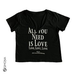 Remera all you need Negro
