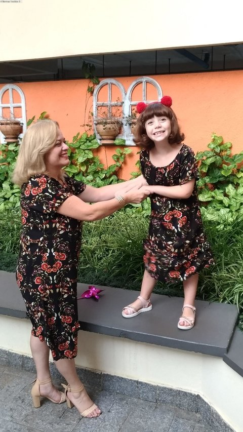 Short Mother and Daughter Dresses Floral Black - online store