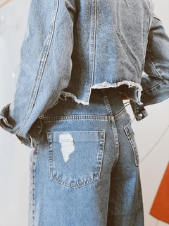 jaqueta jeans cropped destroyed - dolshop