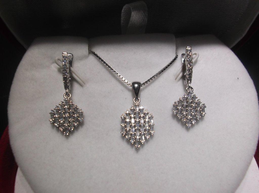 59f78ec6789f Set collar y aros colgantes de Plata 925 Rodinada y cubics baguette