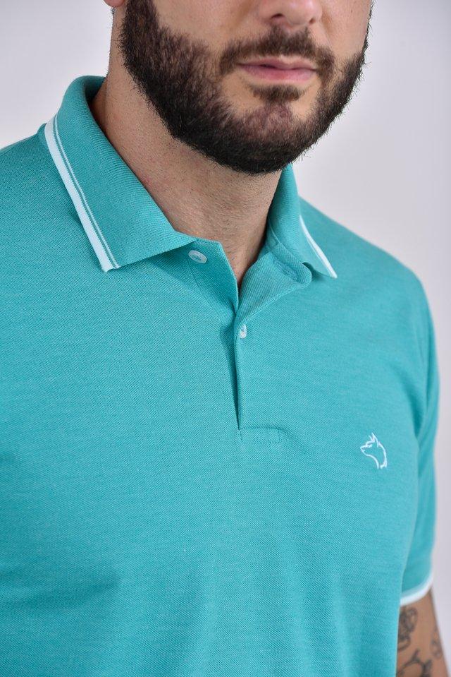 f107debfeb ... Camisa Polo verde claro com detalhes na gola e punhos na internet ...