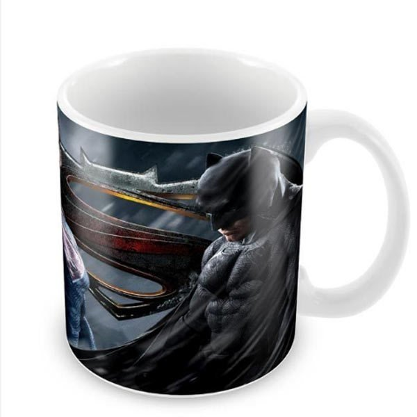 Caneca de Porcelana - Batman Vs Superman