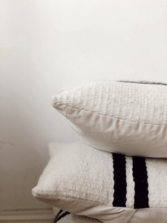 B l a c k i e Pillows  - carolita Home