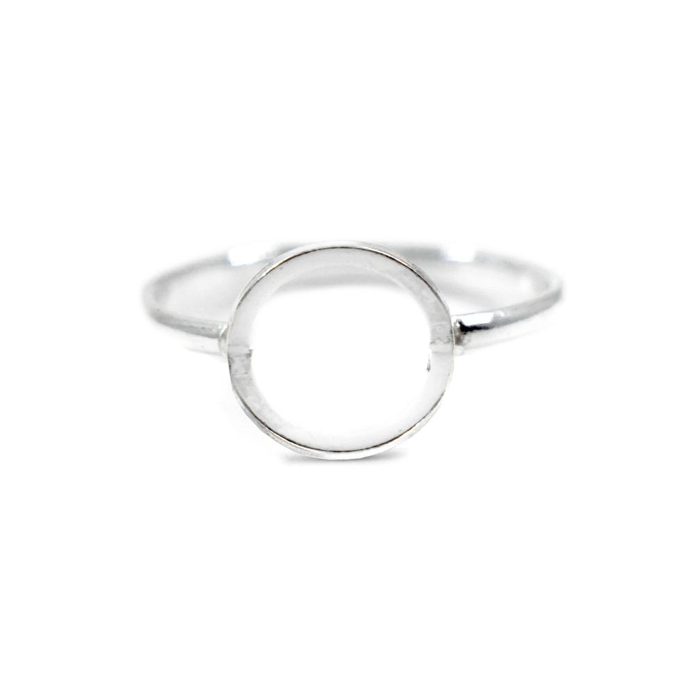 eaaa0385d98 Anel geométrico círculo em prata 925