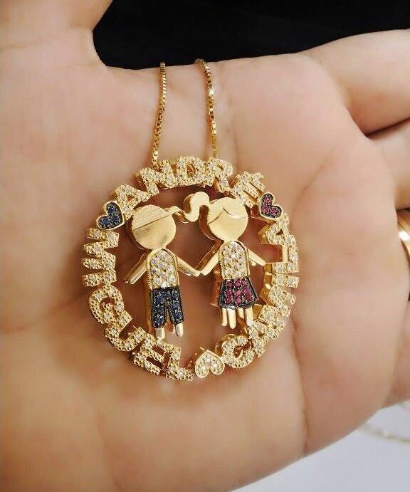 Mandala Dupla personalizada toda cravejada de zircônias com filhos banhado  em ouro 18k. NOMES  687bc77326