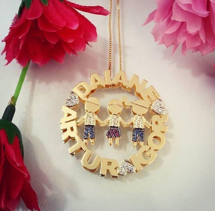 Mandala Dupla personalizada com filhos cravejados de zircônias banhado em ouro  18k. NOMES  f1fb42685c