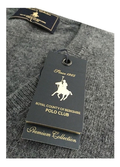 Sweater Hombre Polo Club Escote En V Jaguard Grey en internet