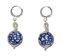 Diana earrings with chinese hand painted bead and pearl