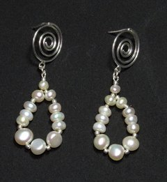 Tamara earrings Baroque pearl