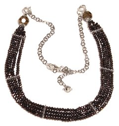 Becca Necklace with cristal and silver elements.