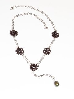 Bibelô Necklace in crystals and dark pearl.