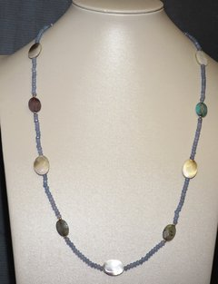 Christine necklace in jade, mother of pearl and agate with golden elements - buy online