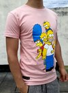REMERA DE ALGODÓN. ESTAMPADA. SIMPSONS. ROSA