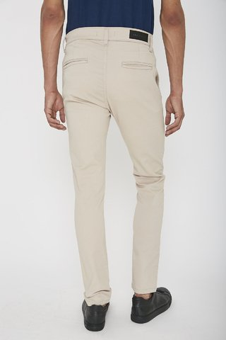 PANTALON CHINO BASIC en internet