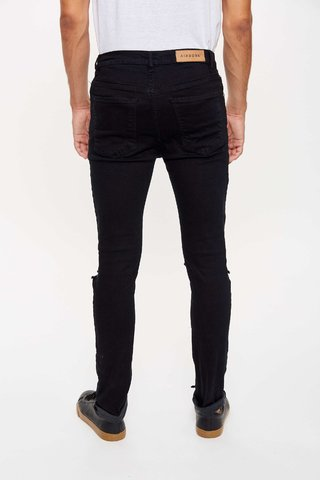 JEAN SLIM FIT BROKEN BLUE en internet