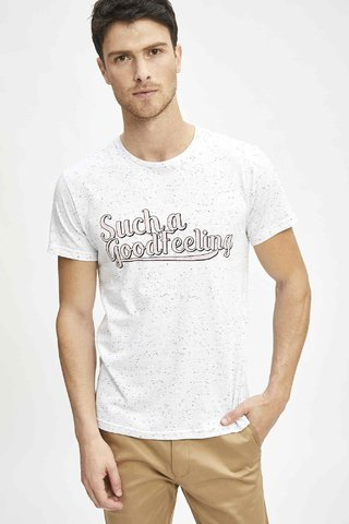 REMERA GOOD FEELING en internet