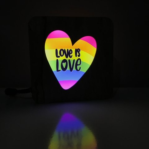 Luminária Ledito Wood - Love is Love 1 - comprar online