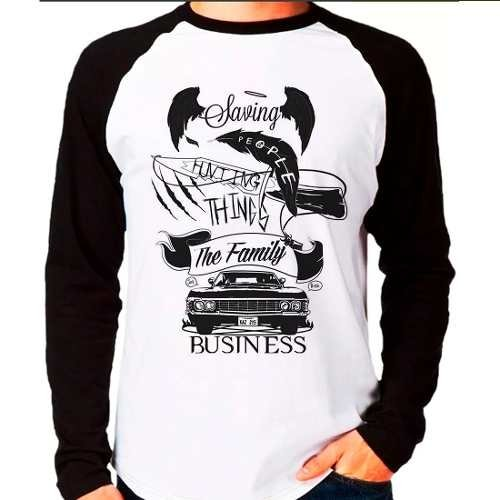 Camiseta Raglan Supernatural Saving People Hunting Things