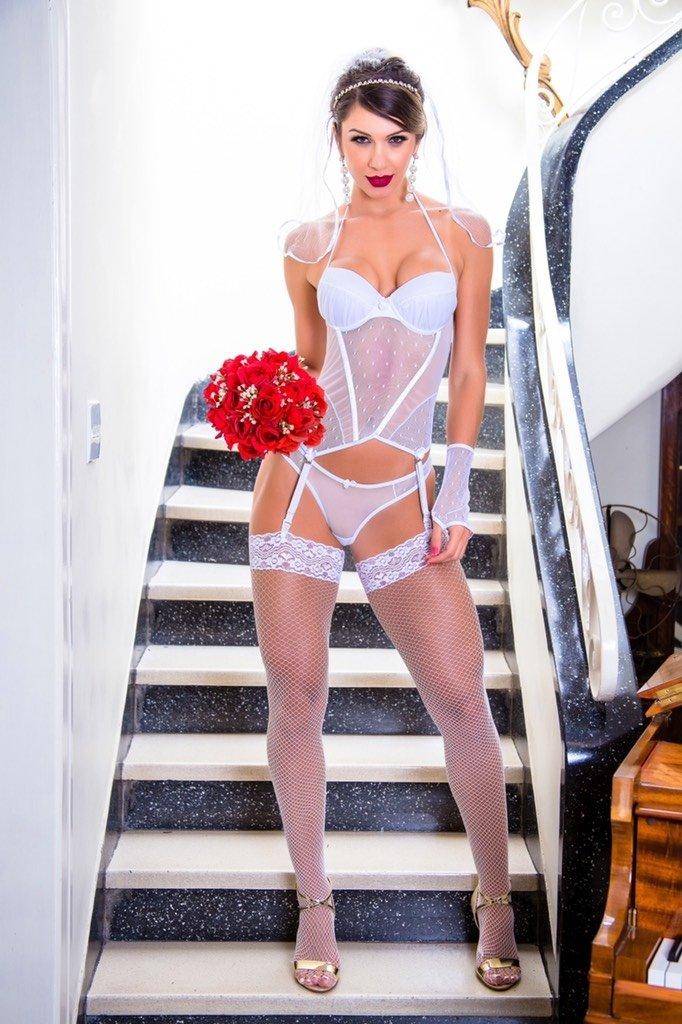 ea6f15959467c Espartilho Noiva Sexy Branco - Comprar em Linda Maria