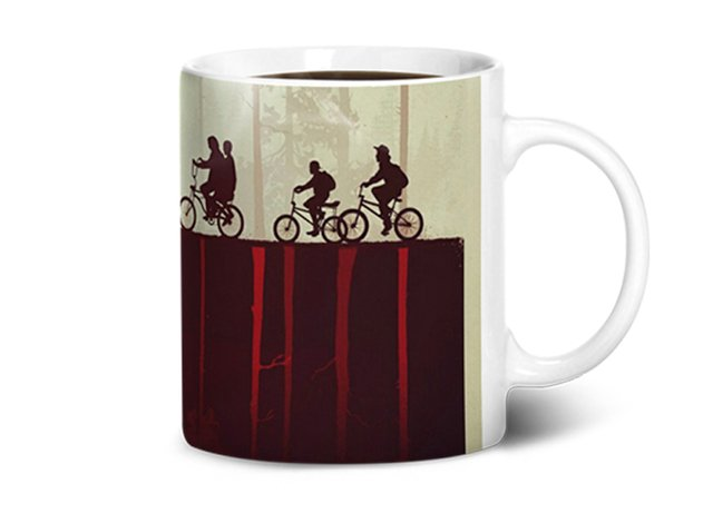 Caneca Stranger Things - Mundo Invertido na internet