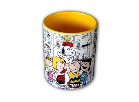 Caneca Turma do Snoopy na internet