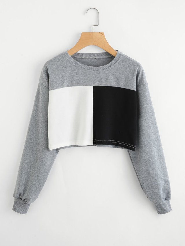 Buzo crop top gris diseño black and white