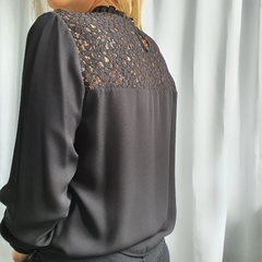 Blusa Paris en internet