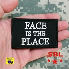 "Funny Patch ""Face is the Place"" na internet"
