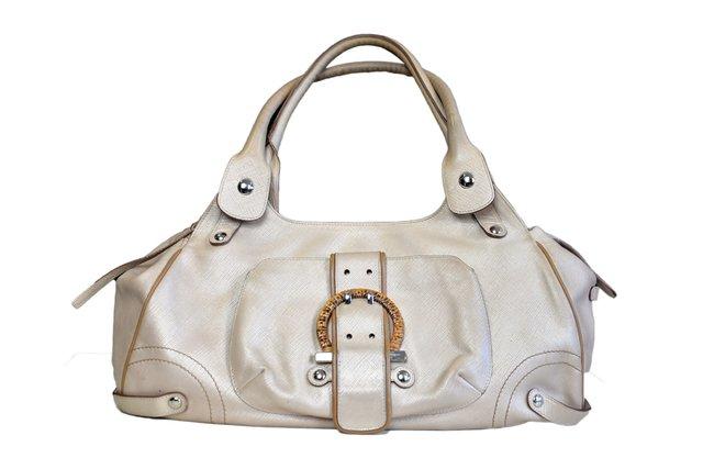 93738ac31dcba Comprar Salvatore Ferragamo em Wishic Desejos de Luxo   Filtrado por ...