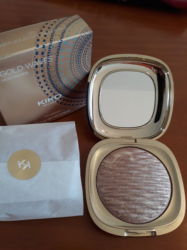 ILUMINADOR GOLD WAVES HIGHLIGHTER  em pó com nuances iridescentes 02 - comprar online