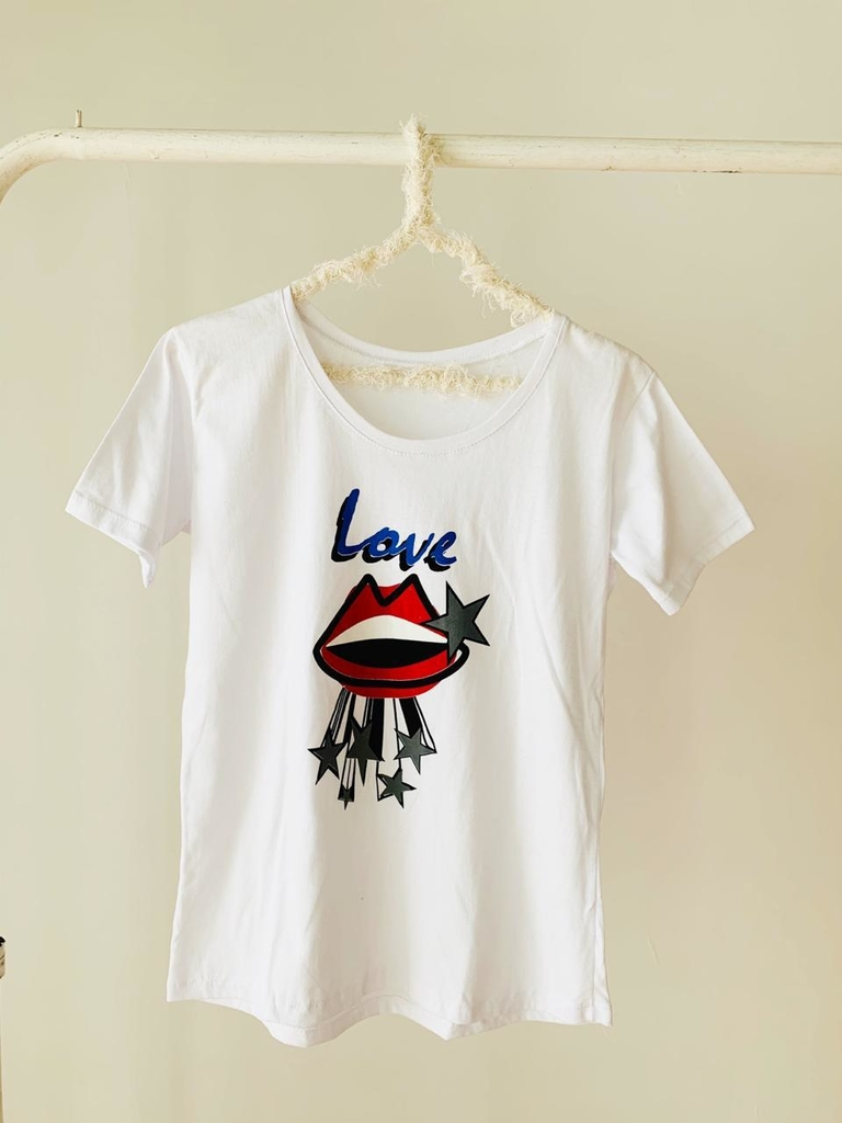 ♥ Remera Star Lips ♥ - comprar online