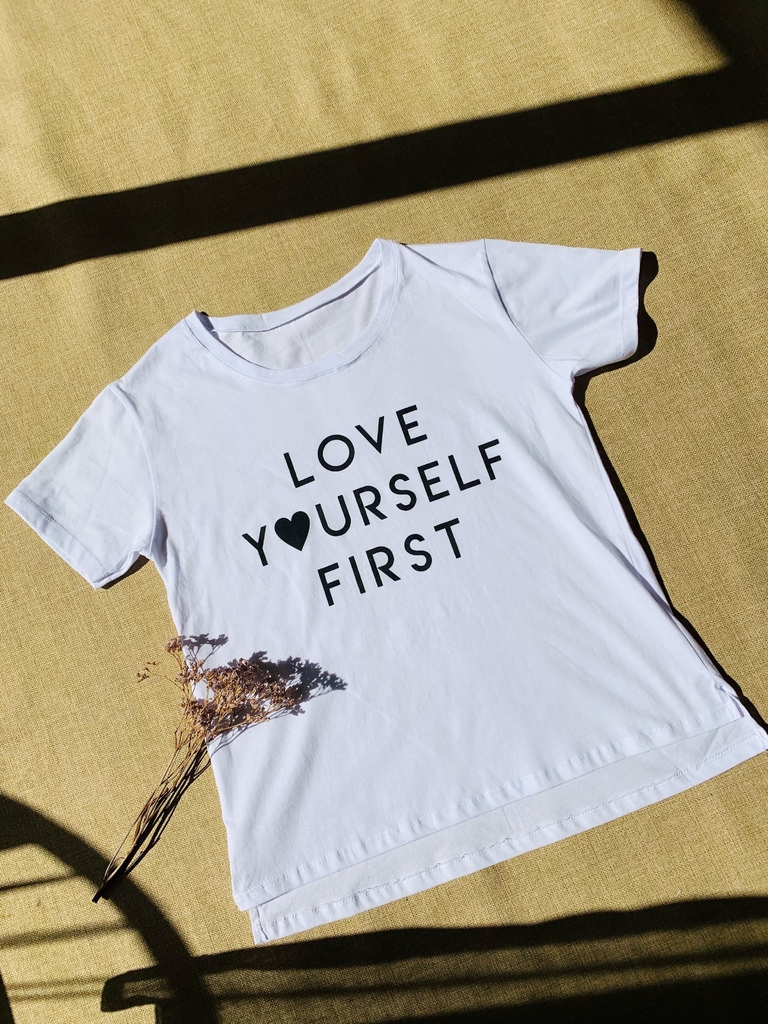 ♥ Remera Love Yourself ♥ - comprar online