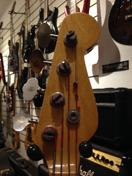 Giannini Precision Bass Fretless - Baixo