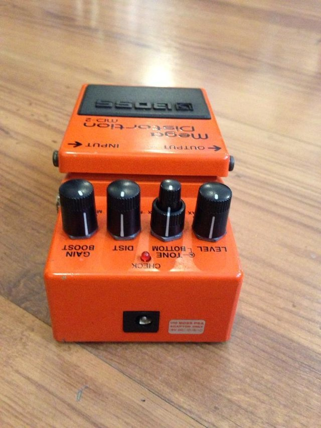 Pedal Boss Md-2 Mega Distortion - Solsete Musical