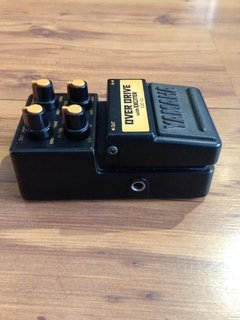Pedal Yamaha Over Drive c/ Exciter - ODE 100 - Usado - Solsete Musical
